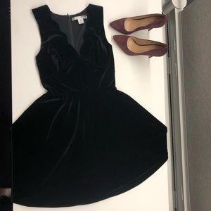 NWOT Black velvet skater skirt